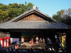 旧船越の舞台での子供歌舞伎の公演の様子(2016年年11月3日)
