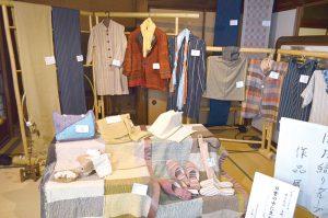 民技会作品展示会(機織り)