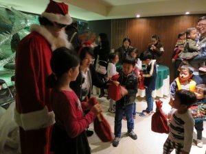 お子様に大人気のクリスマス交流会