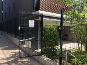 賃貸棟と分譲棟の境界扉